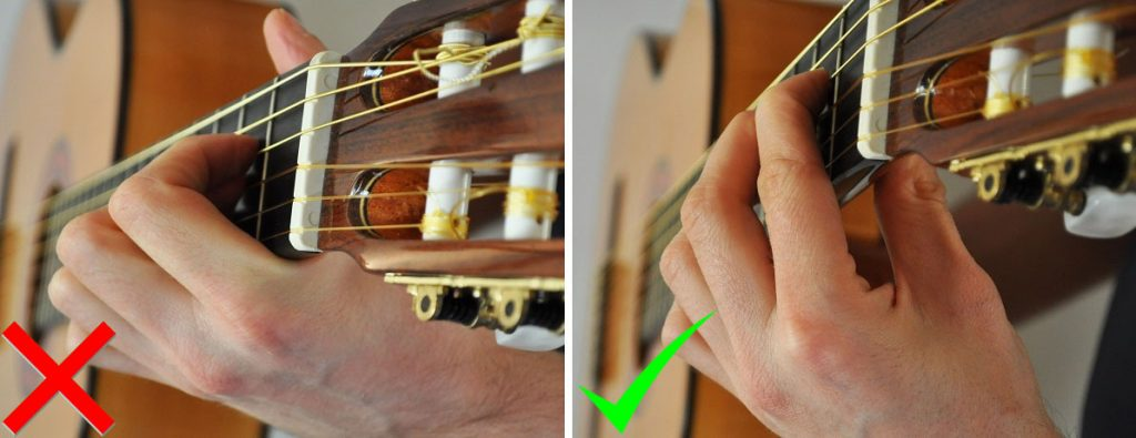 Comment bien jouer un accord de guitare placement pouce index
