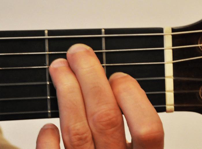La Guitare en 3 Jours - différence accord majeur mineur - Mi