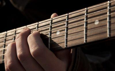 10 morceaux de guitare à apprendre quand vous débutez