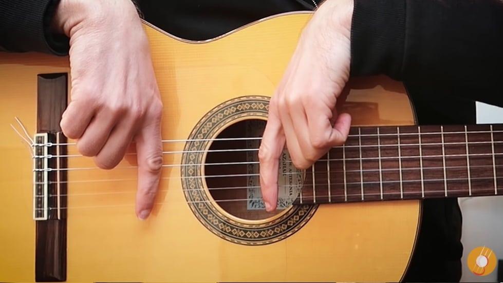 Bonne posture des frettes accord de guitare - La Guitare en 3 Jours